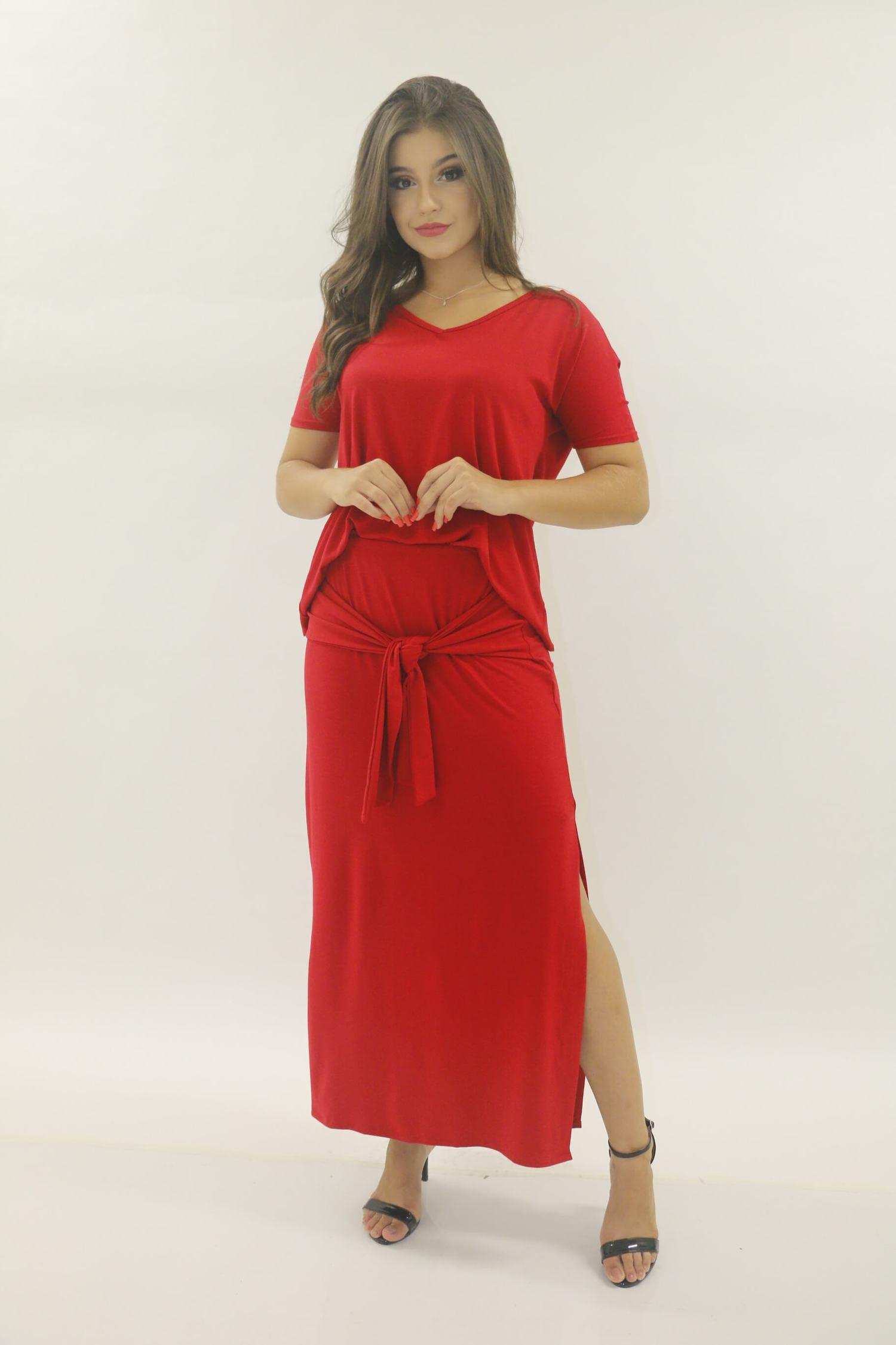 conjunto blusa e saia longa vermelha de amarrar