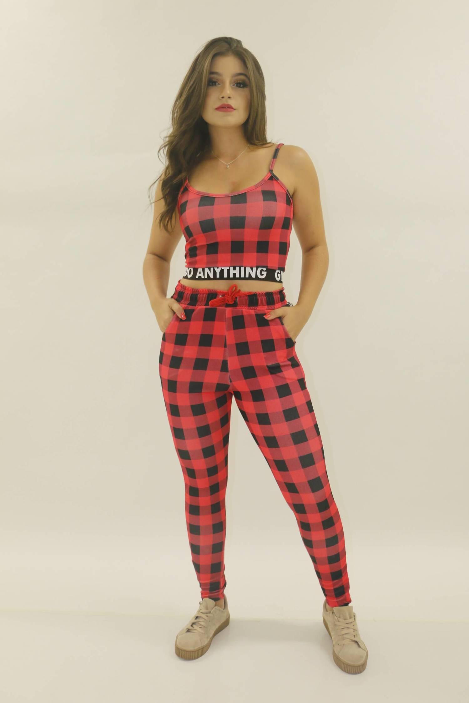 Conjunto Cropped e calça xadrez vermelho
