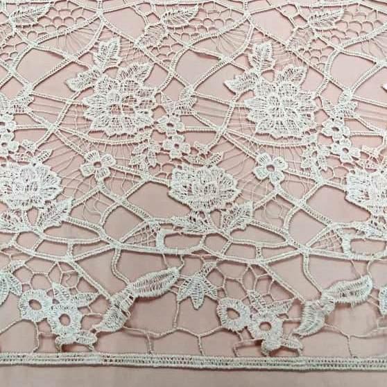 Tecido Renda Guipir Floral Branca