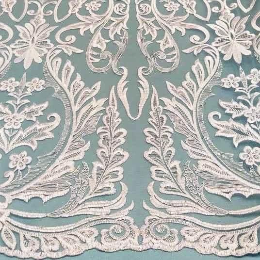 Tecido Tule Bordado Arabesco Branco (Folhas)