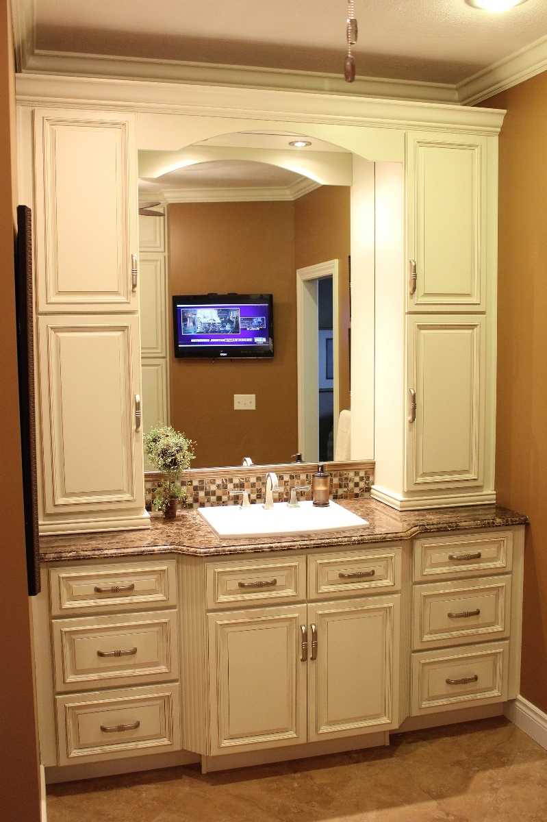 Bath Vanities With Linen Cabinet