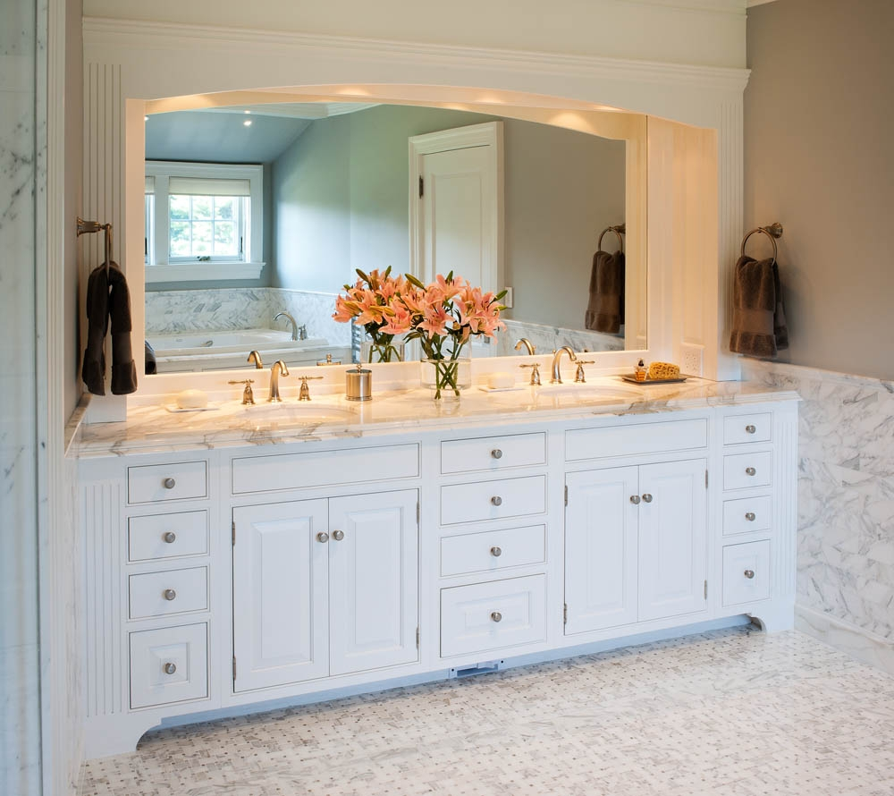 Custom Built Bathroom Cabinets