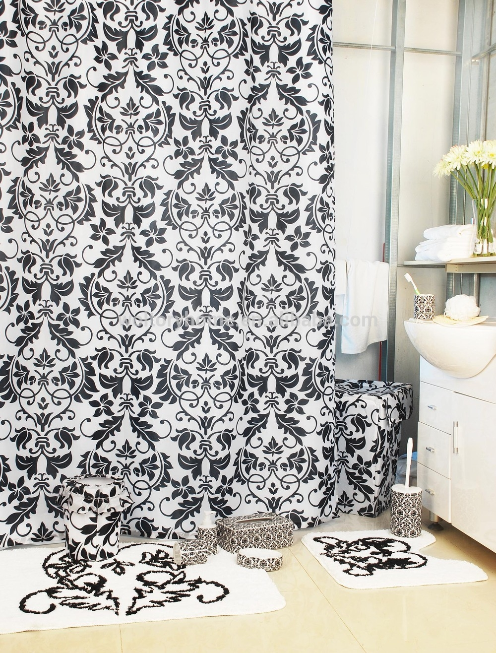 Damask Bathroom Rug Set