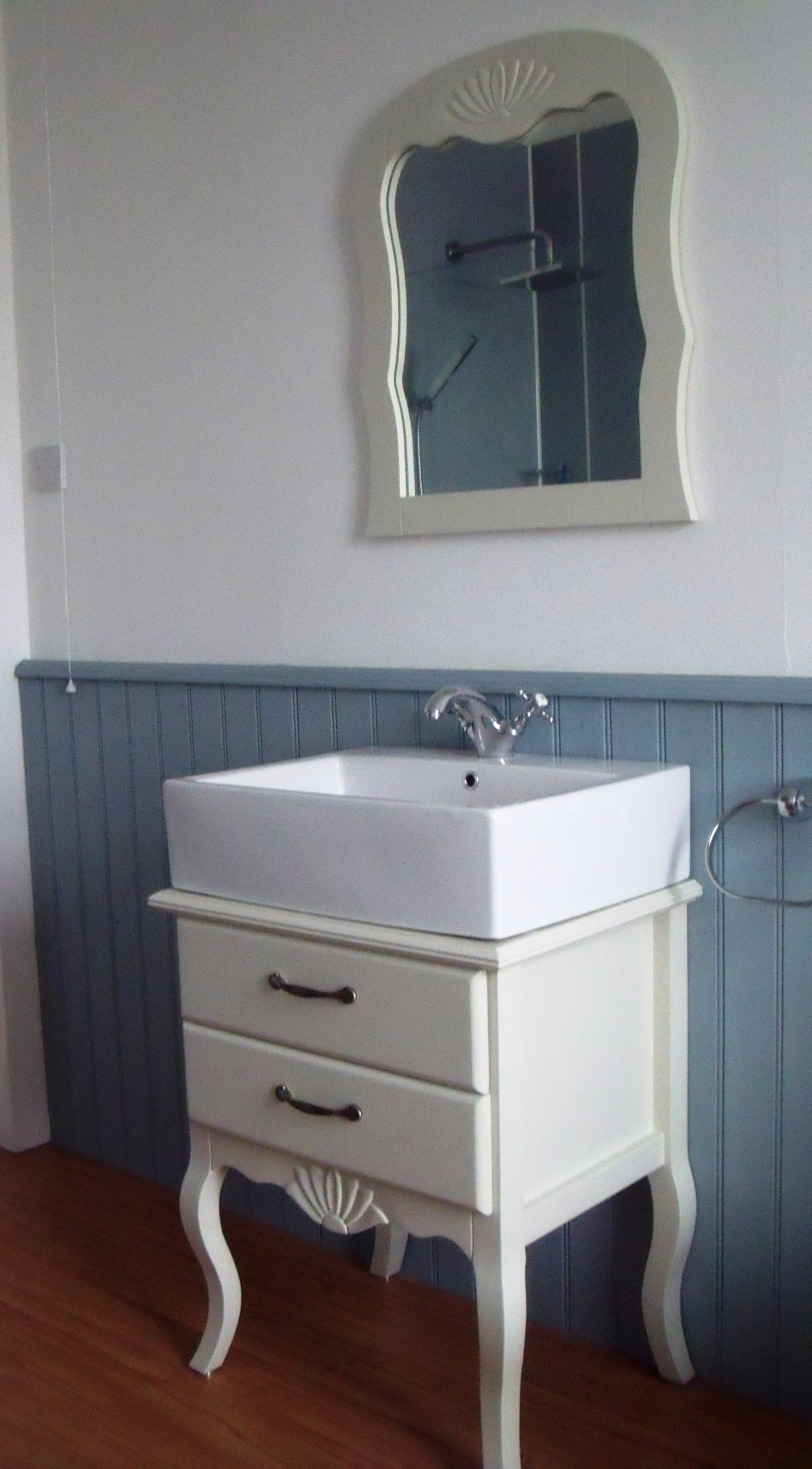 French Style Bathroom Vanity Units