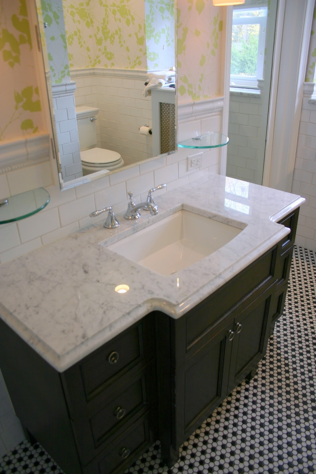 Small Bathroom Vanity With Marble Top