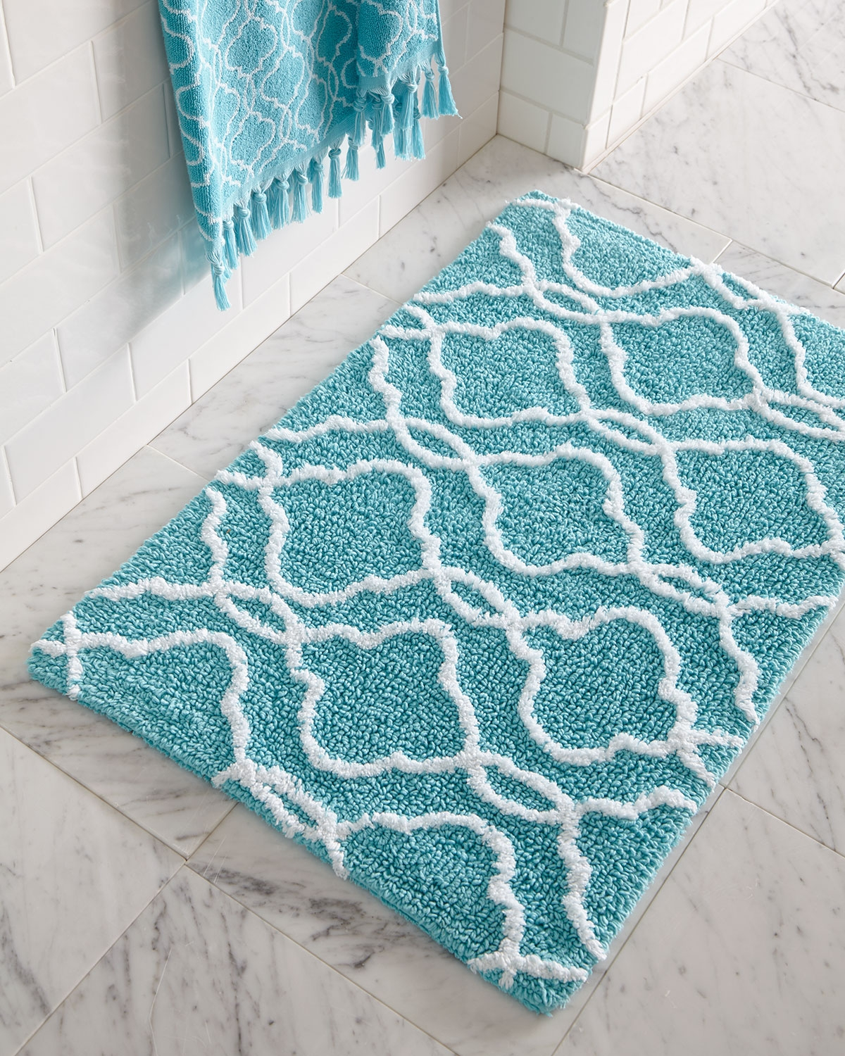 Turquoise Color Bathroom Rugs