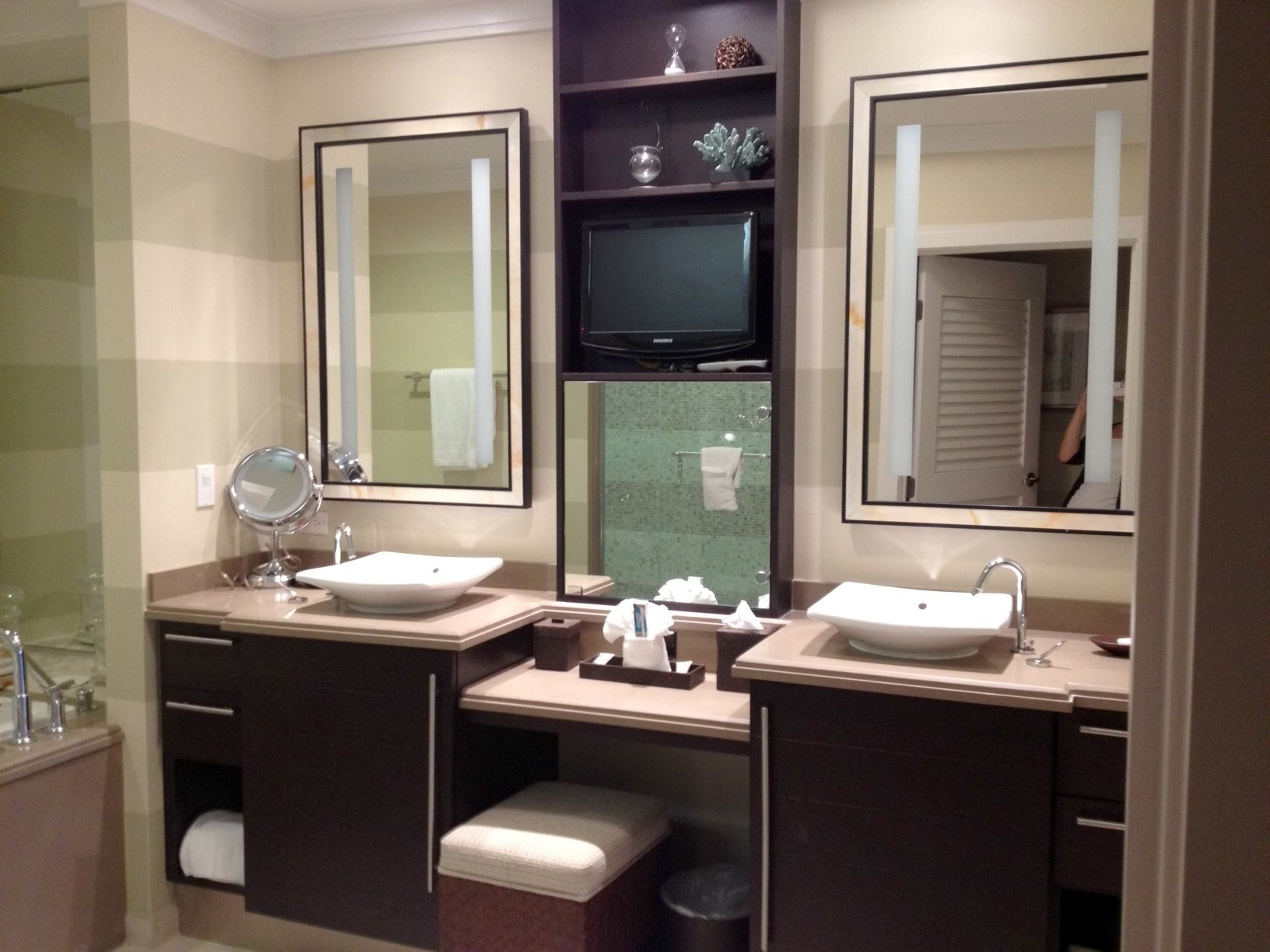 Bathroom Vanities With Dressing Table