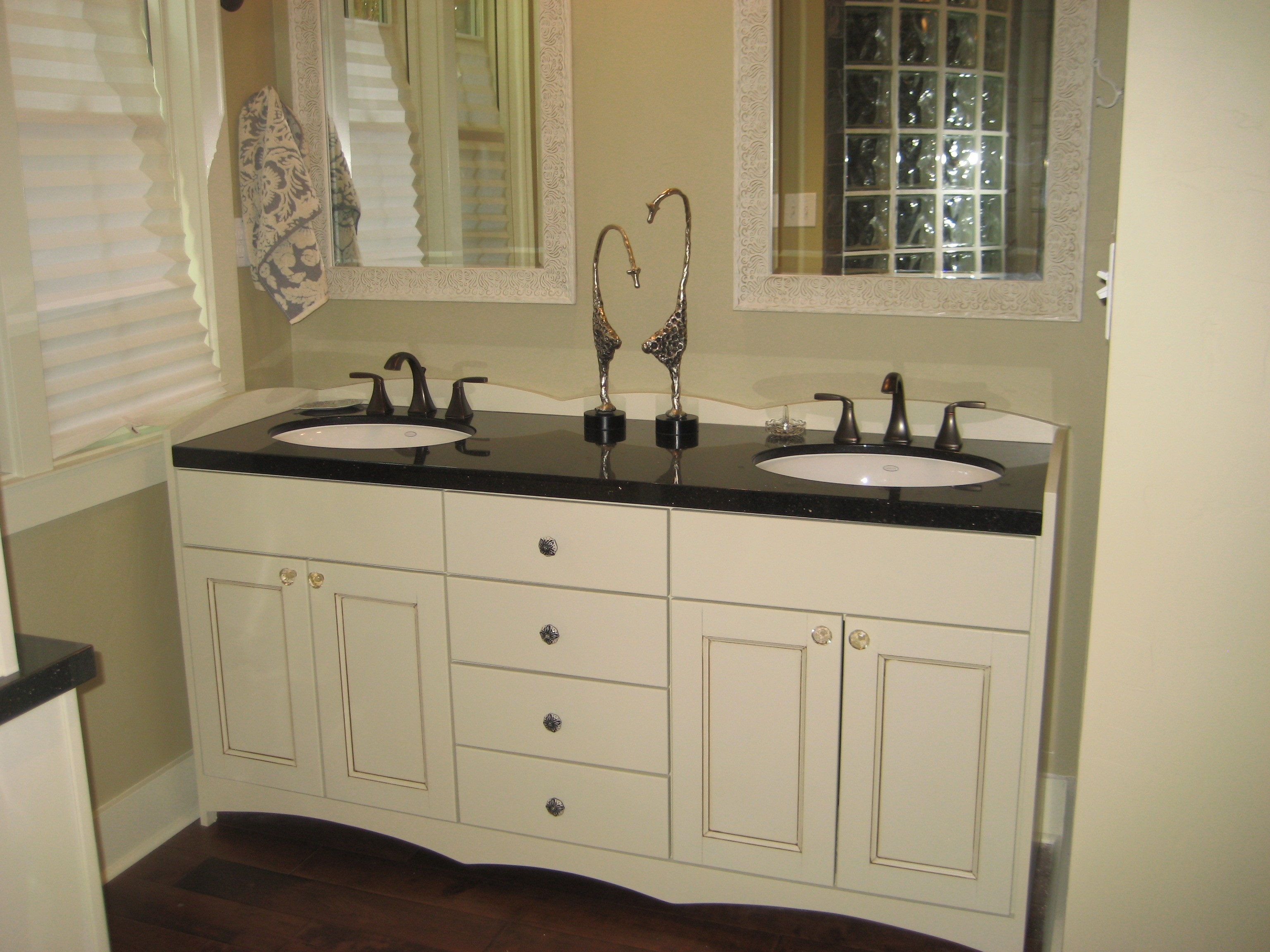 Custom Bathroom Vanity Cabinets Without Tops