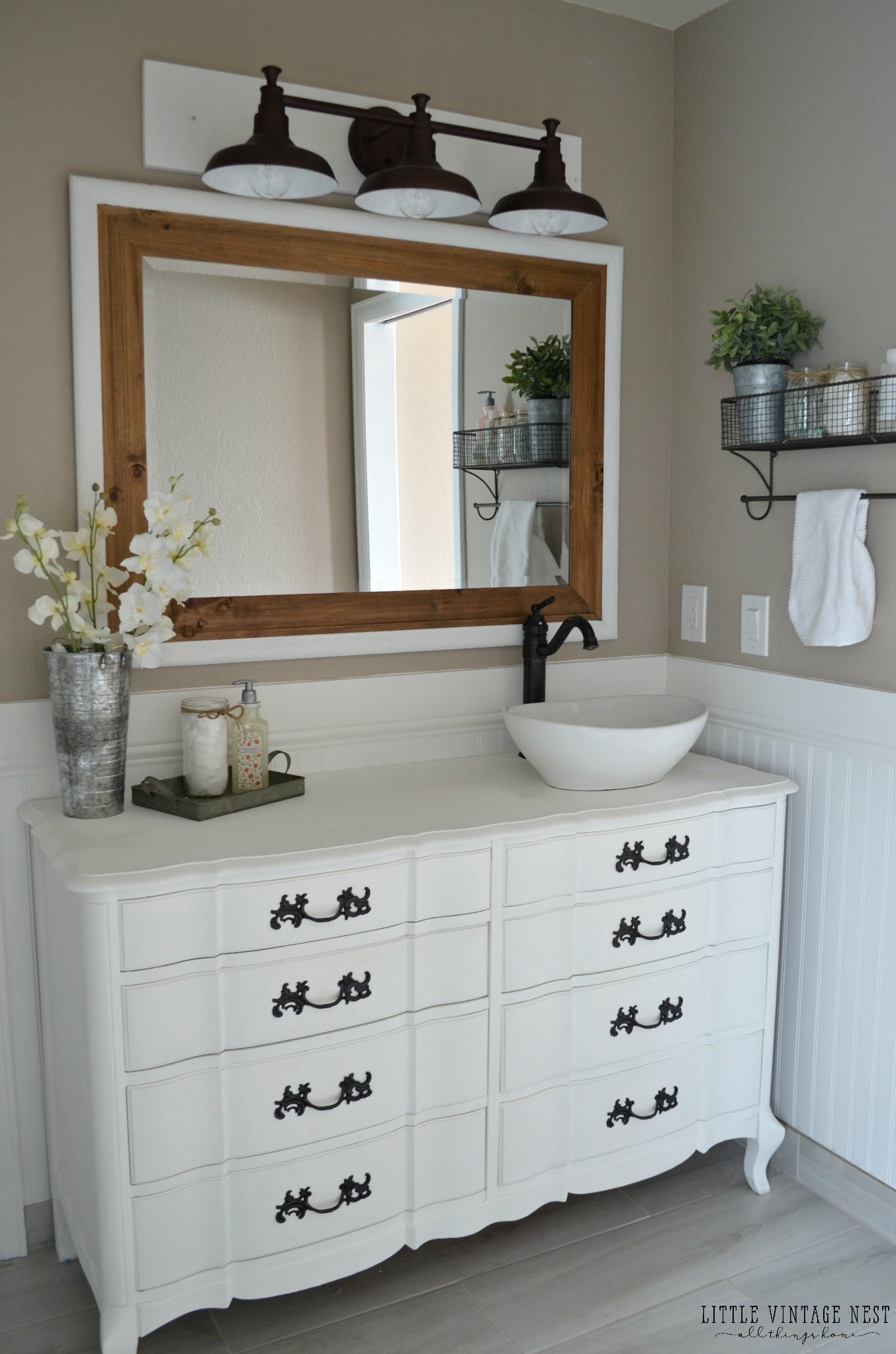 Farmhouse Style Bathroom Vanity Lighting