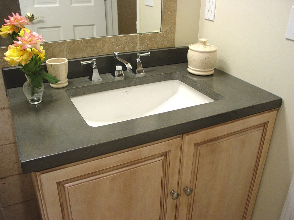 Small Bathroom Vanities With Tops