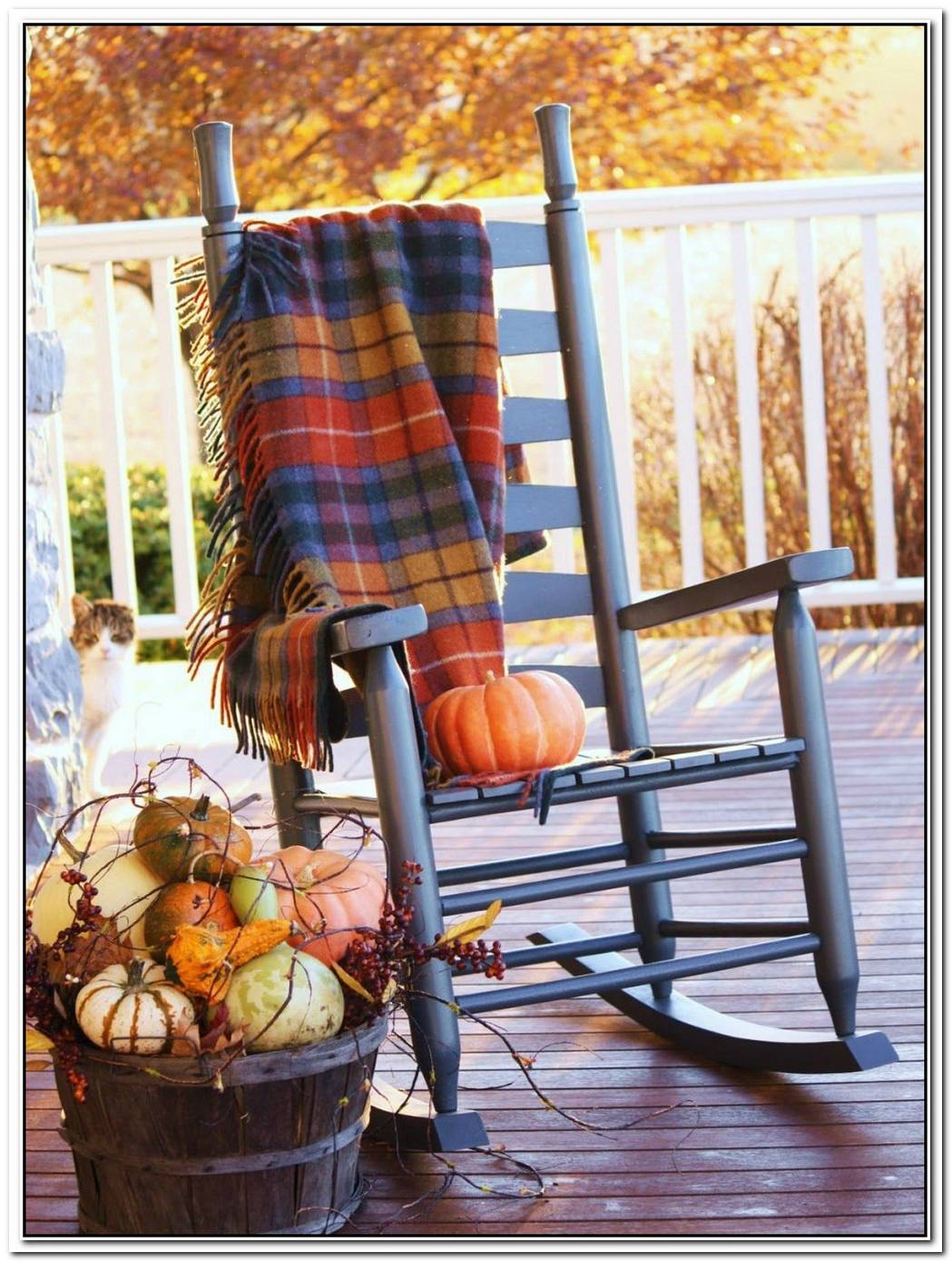 10 Ideas To Outfit Your Front Porch For Fall