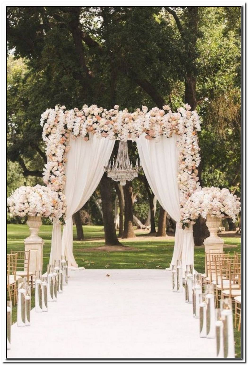 10 Original Altar Design Ideas For Outdoor Weddings