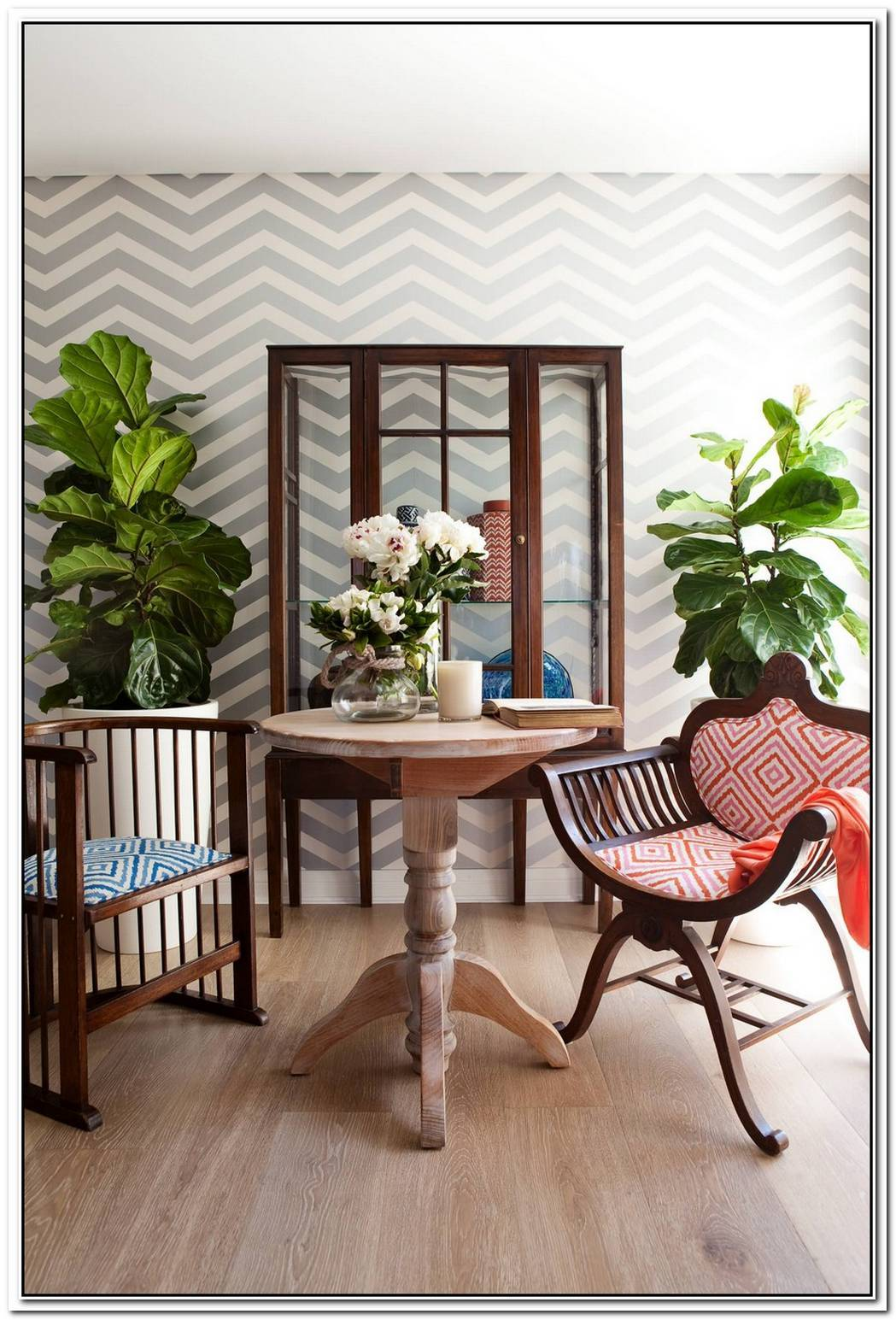 10 Ways To Display Chevron Wallpaper In Your Home