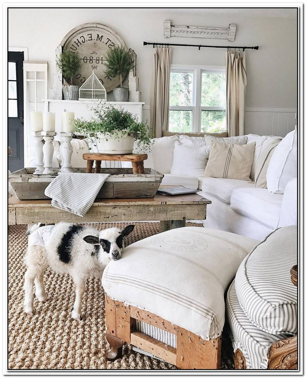 11 French Country Living Room Ideas