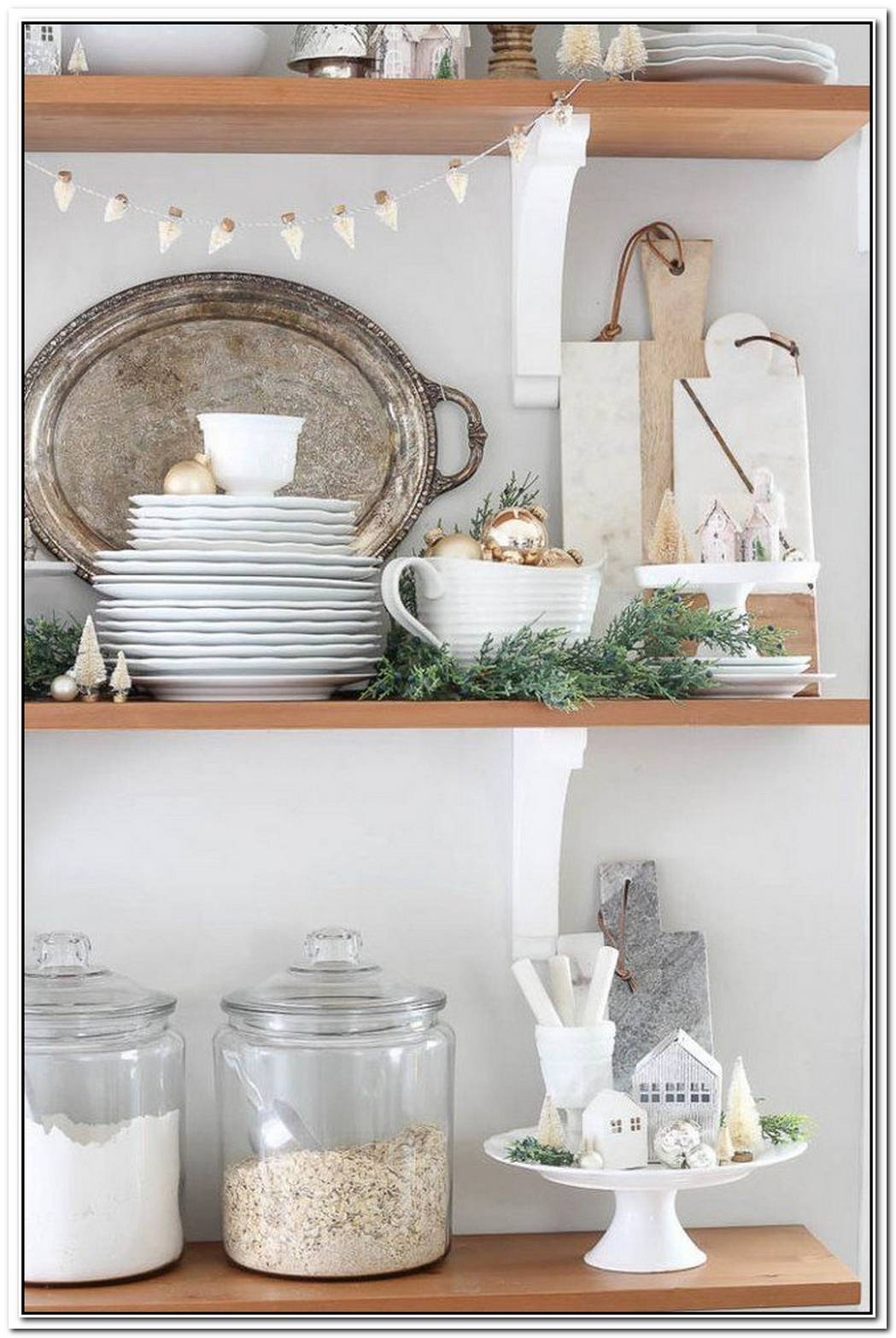 11 Silver And Gold Holiday Decorating Ideas To Transform Your Winter Abode