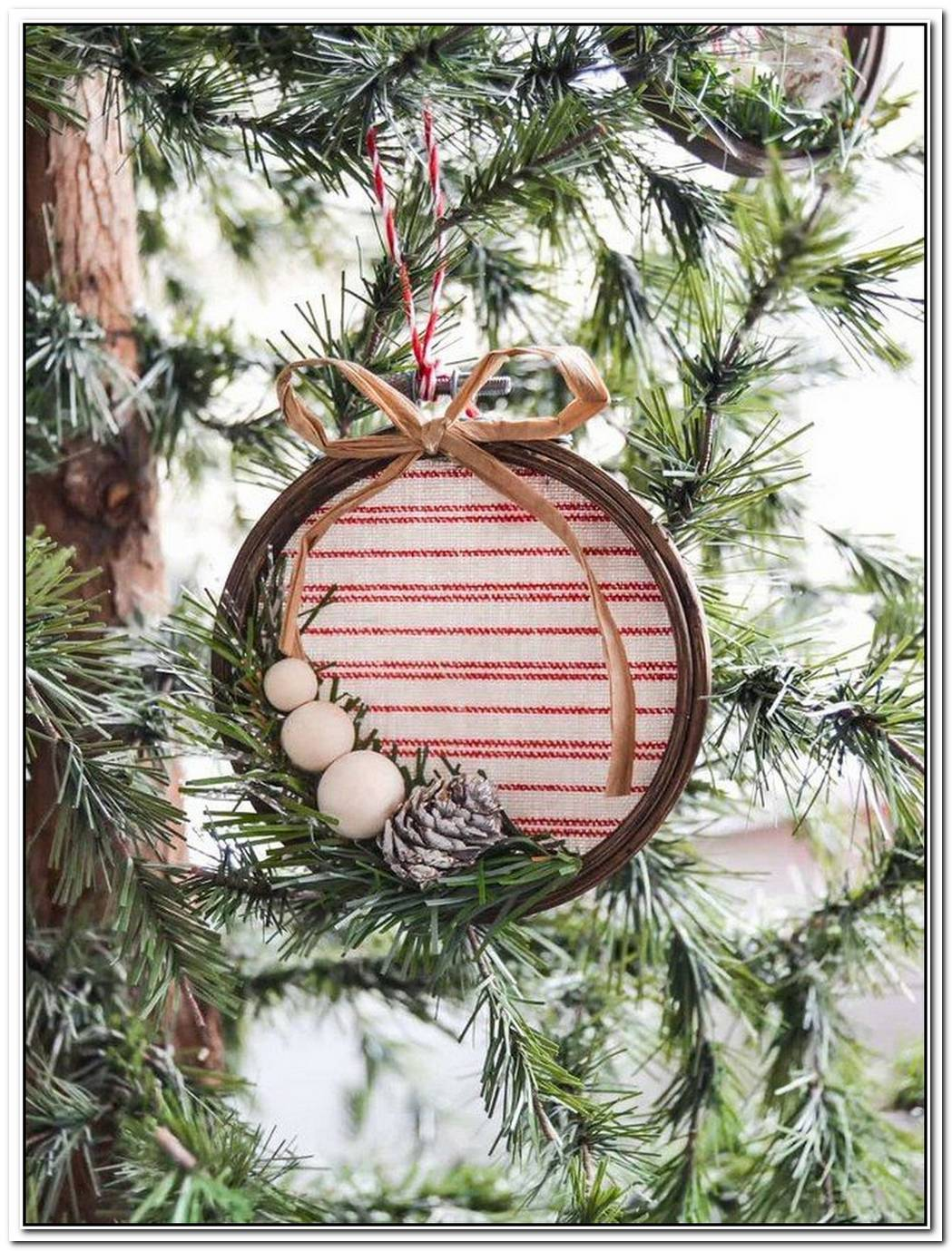 14 DIY Holiday Ornaments That You Actually Want To Make