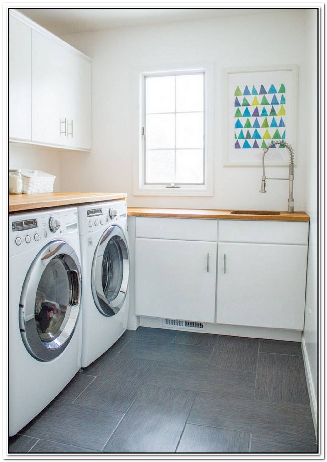 14 Laundry Rooms So Pretty You Might Actually Enjoy Doing Laundry