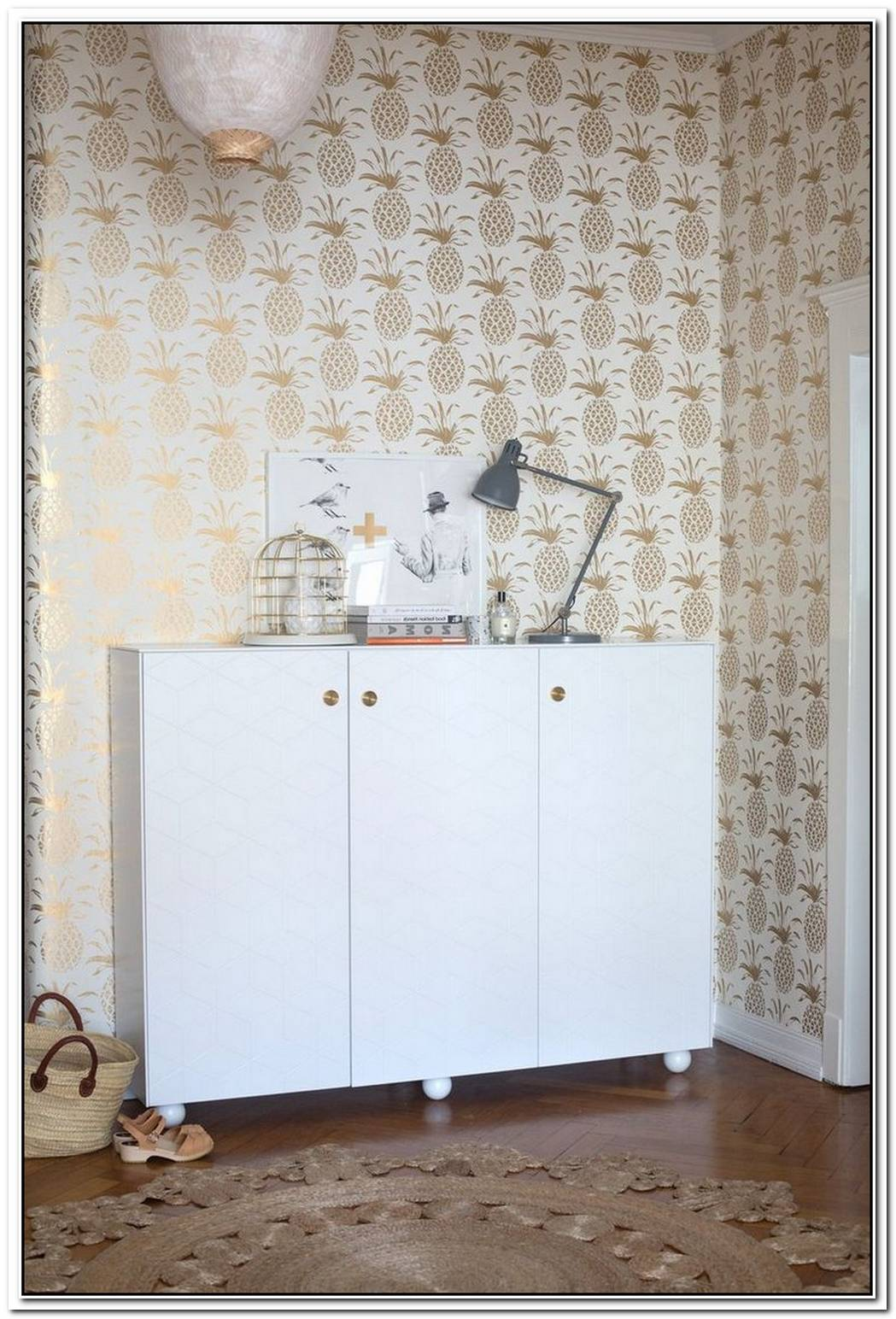 17 Patterned Wallpapers To Make Your Walls Pop