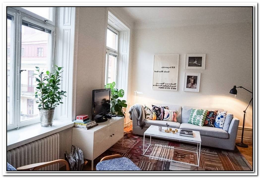 35 Sqm Bright Apartment In Stockholm