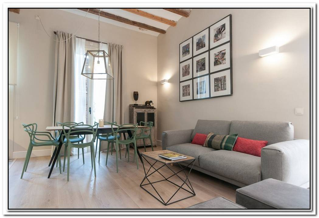 A Very Stylish Urgell Apartment That You Can Rent During Your Vacation