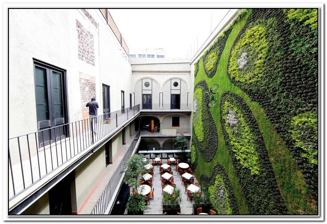 Amazing Vertical Gardens Around The World