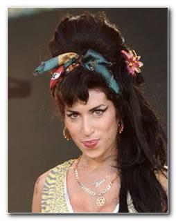 Amy Winehouse Frisur Nachstylen