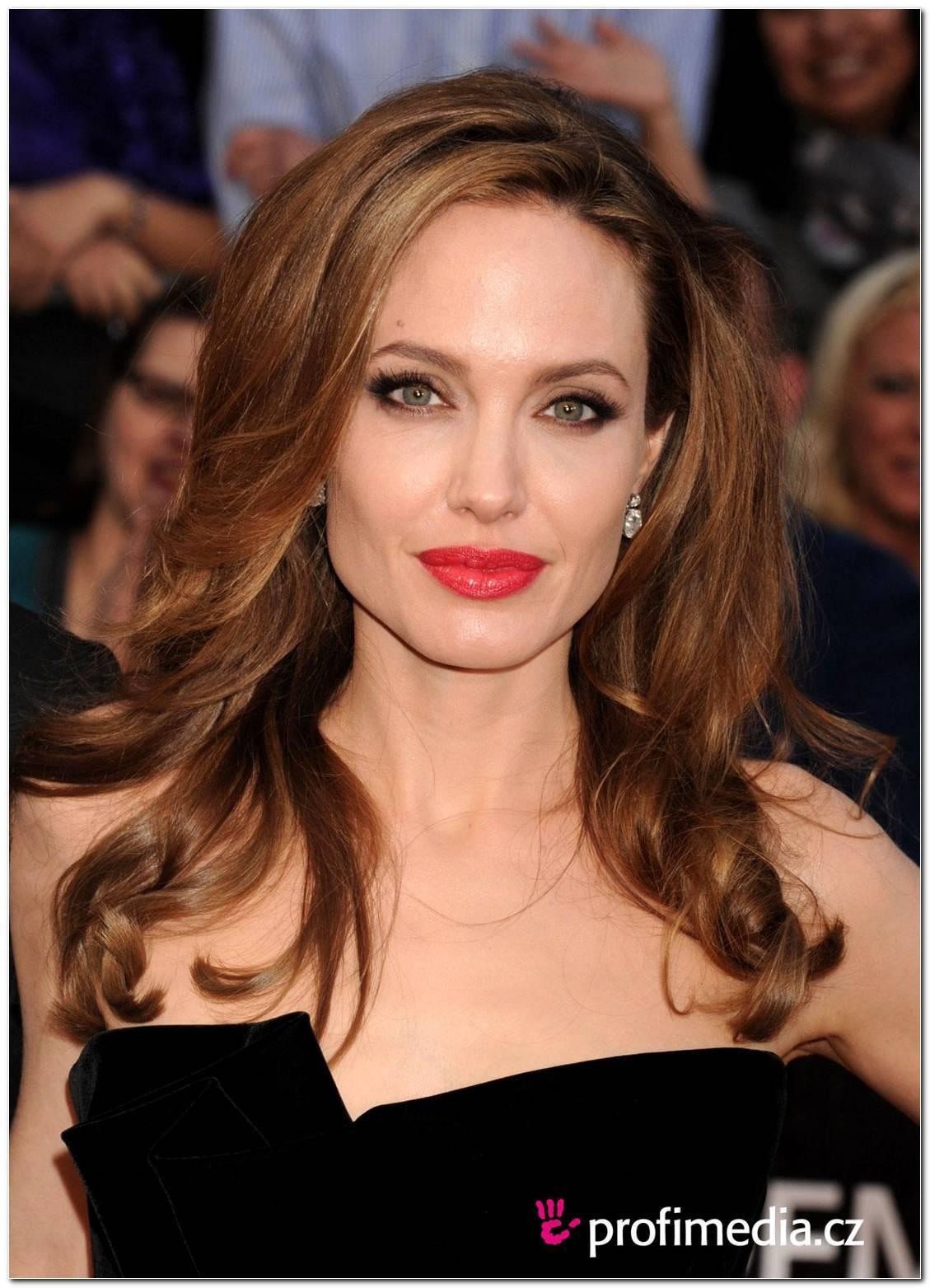Angelina Jolie Frisur