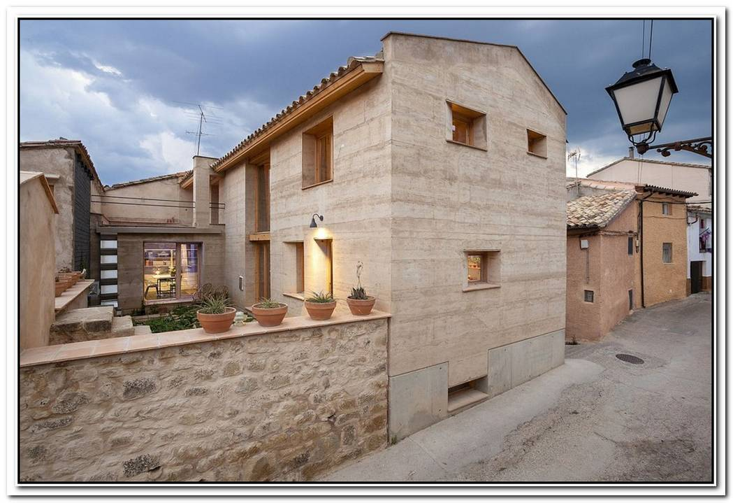 Architectural RevivalSustainable Rammed Earth House In Spain