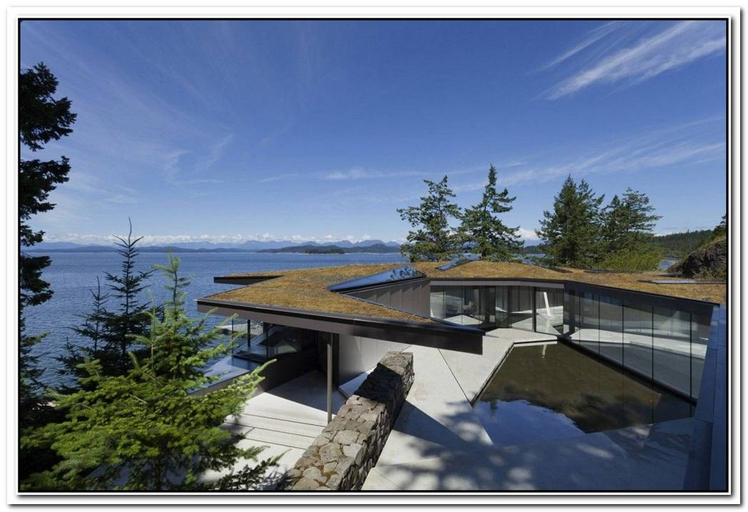 Beautiful Cliff Home By Victor Caňas Arquitecto