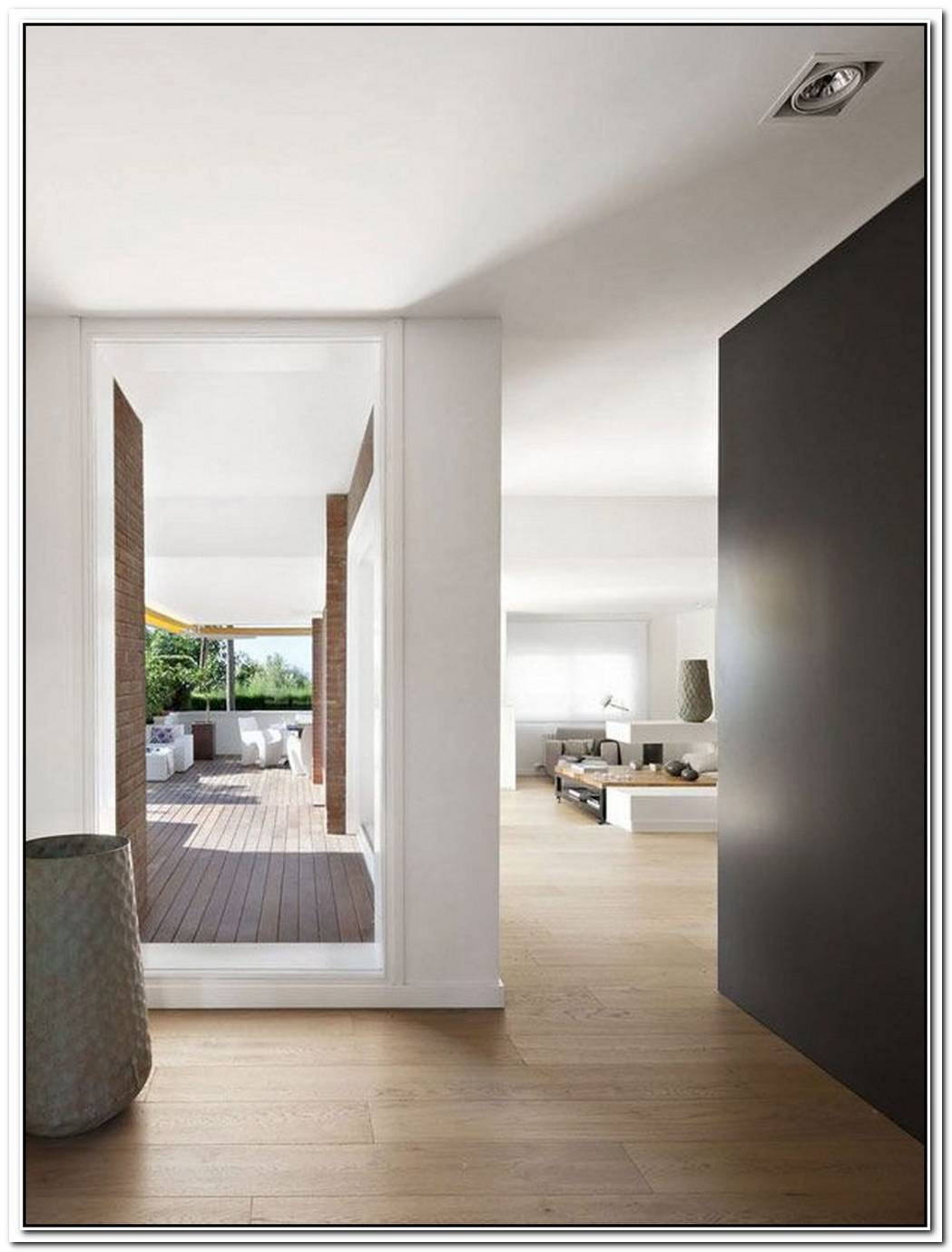 Beauty Of White InteriorsVivienda En Llaveneres In Spain
