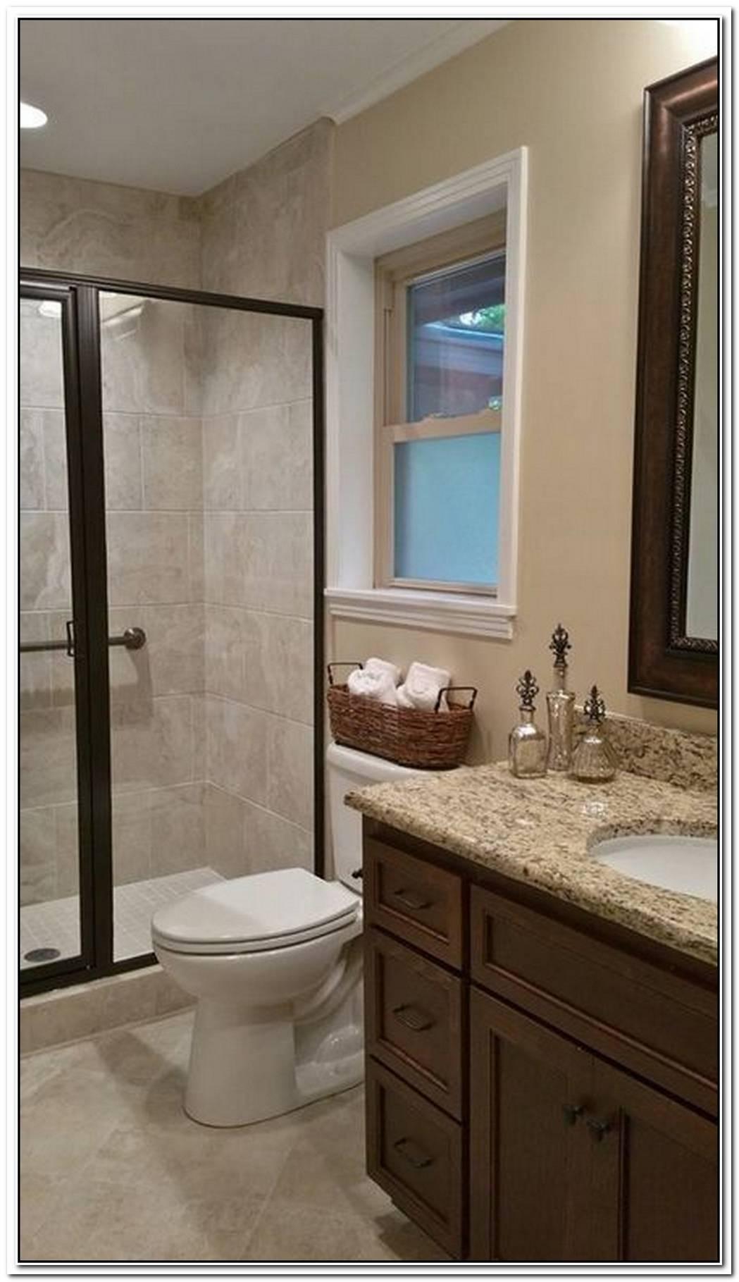 Beige Small Traditional Bathroom