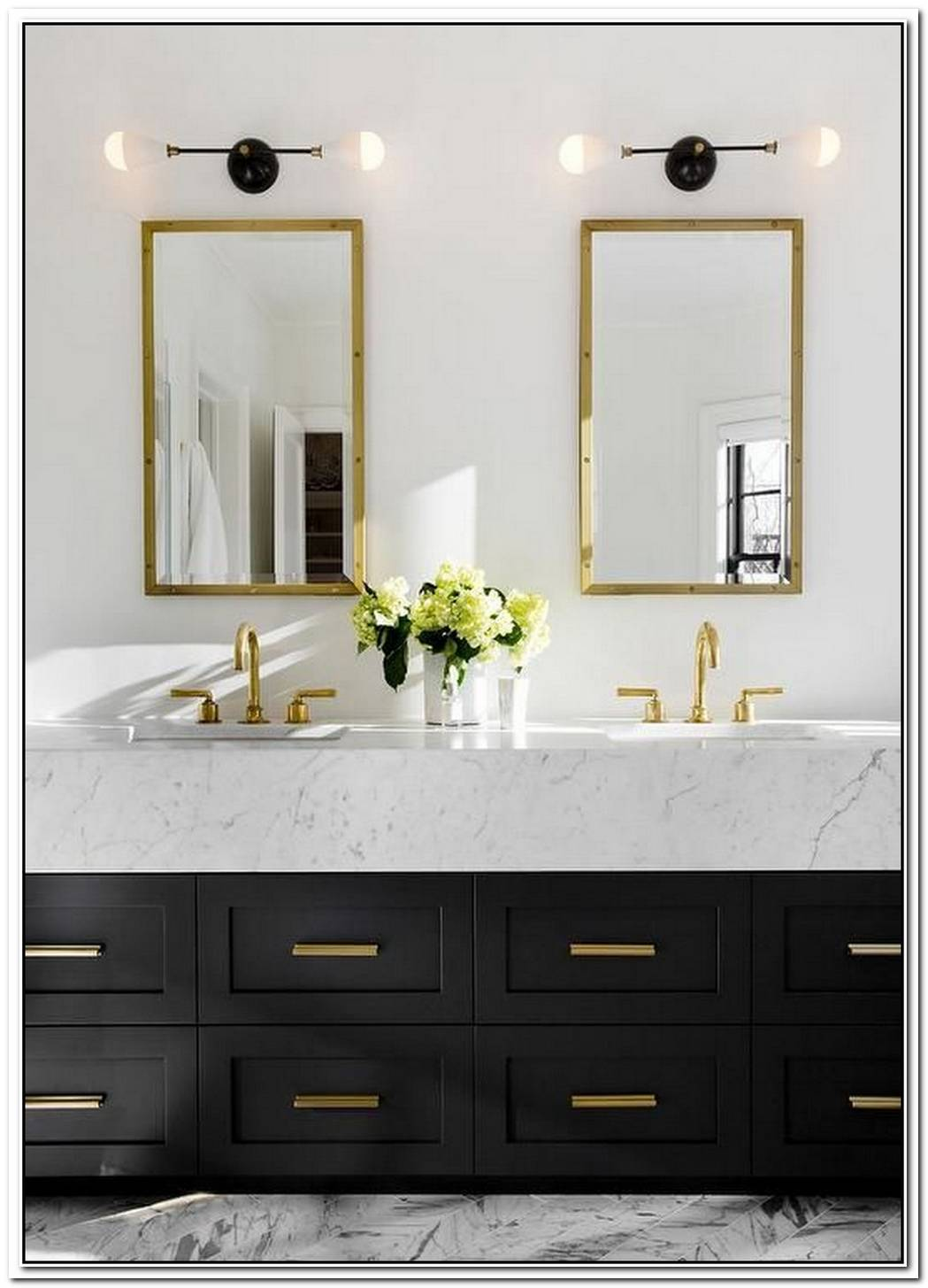 Black And Gold Is The Most Glam Bathroom Combination