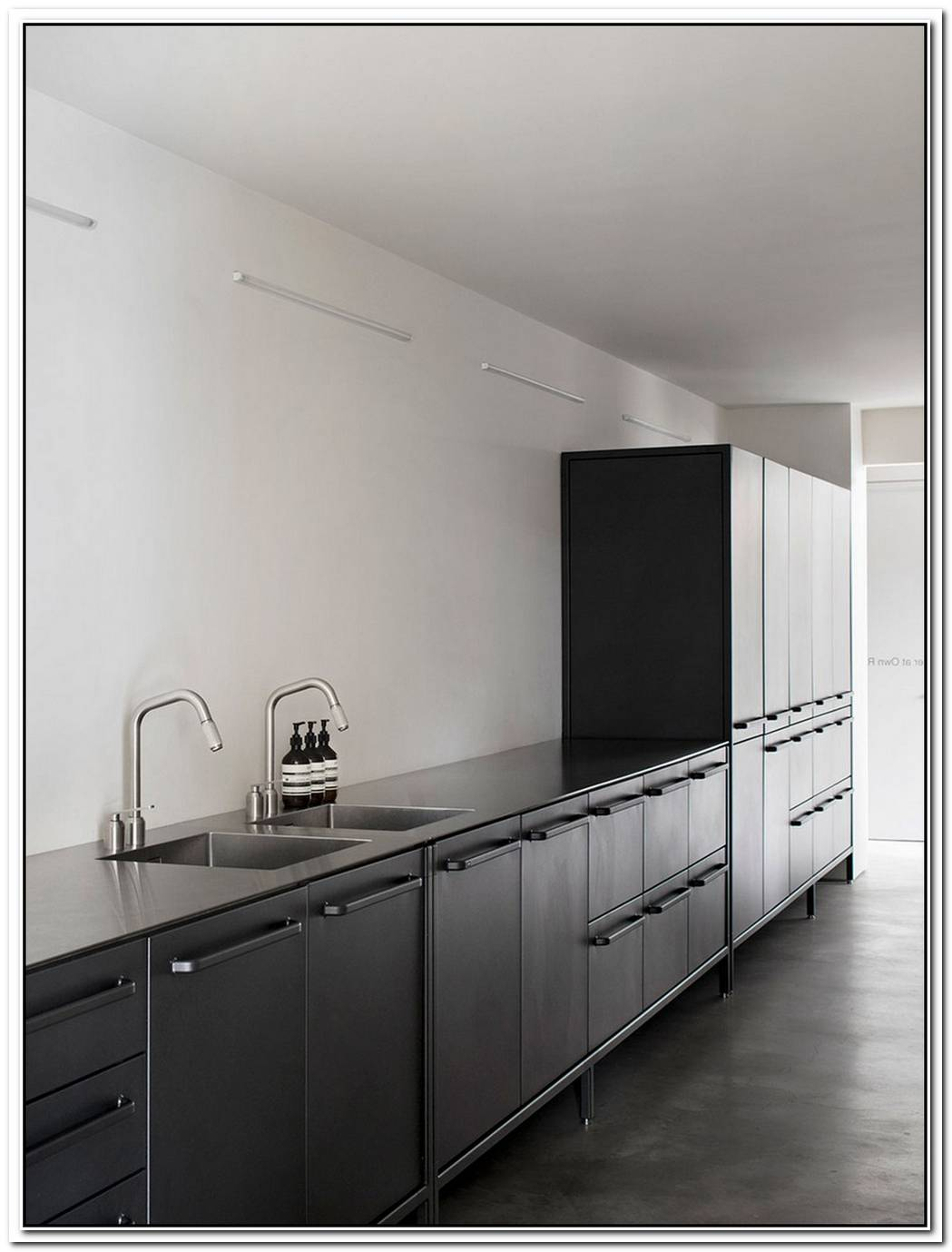 Black Vipp Kitchen Modules