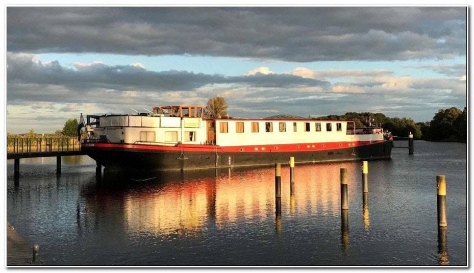 Boat Hotel Amsterdam