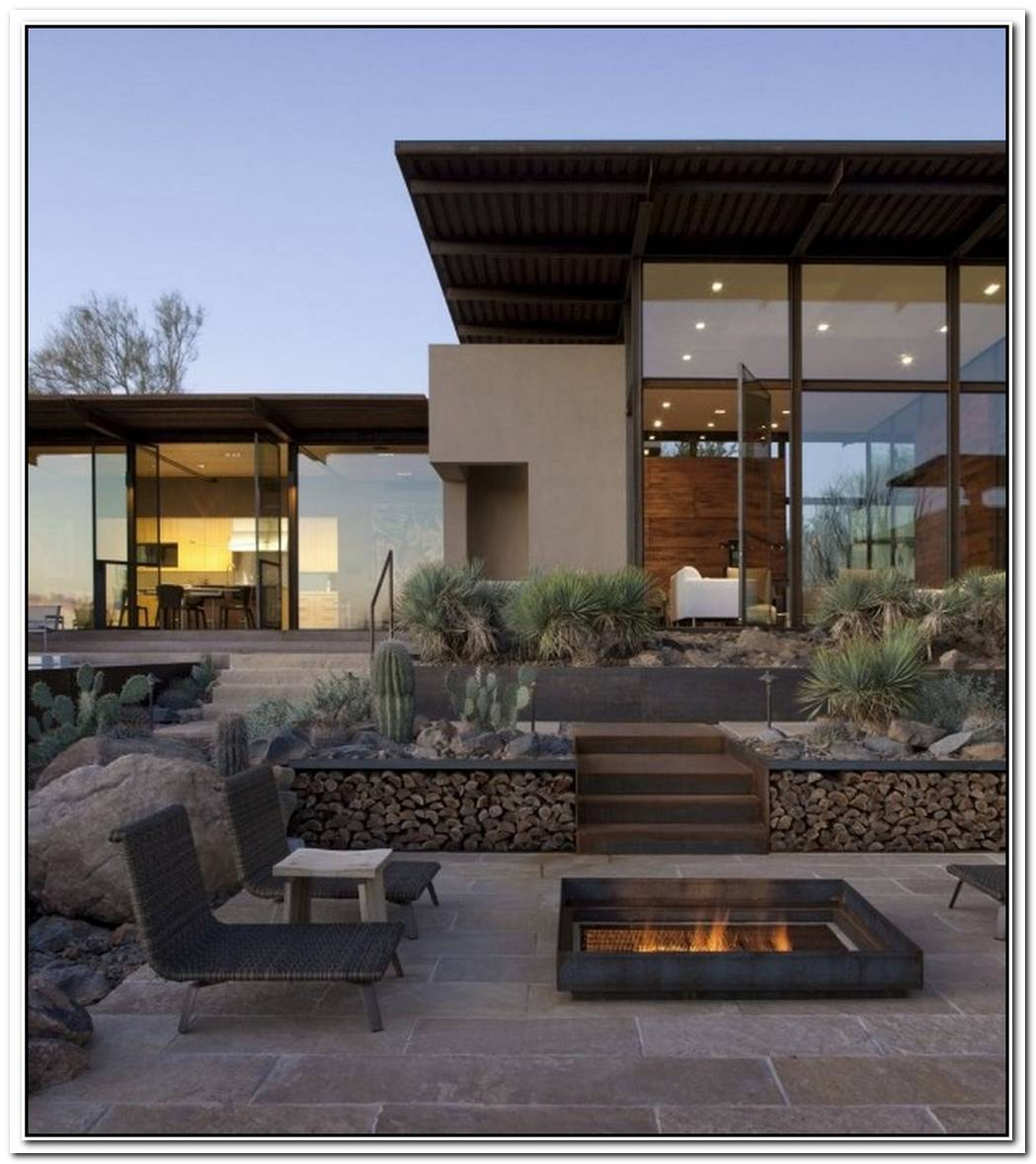 Brown ResidenceTransparent Beauty Designed To Take On The Desert Heat