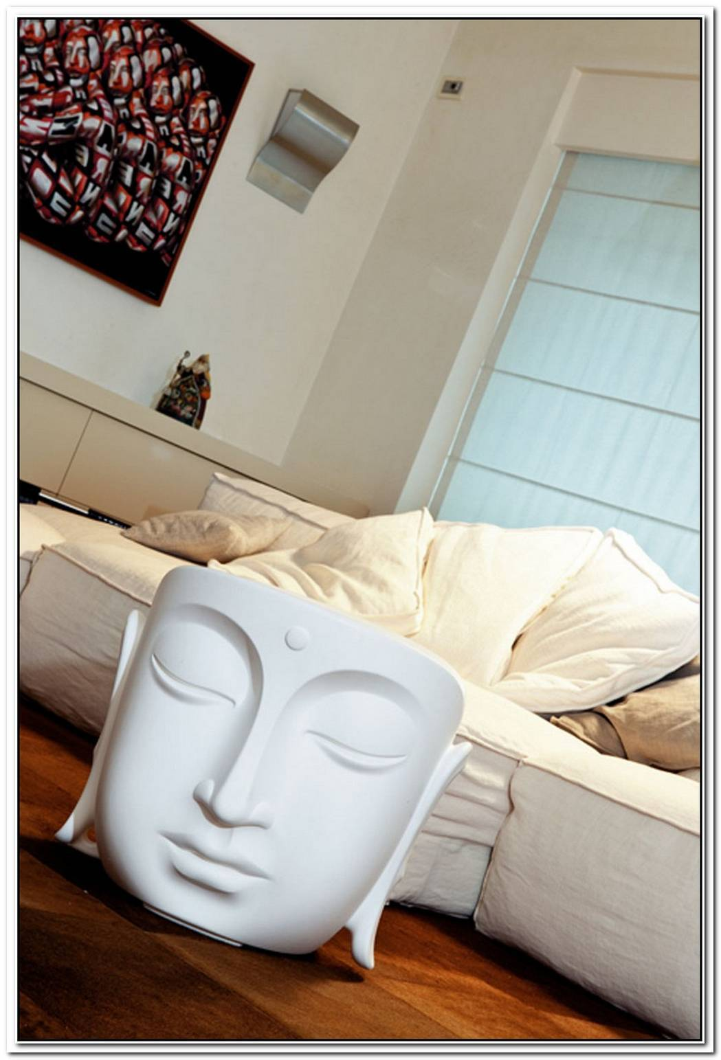 Buddha Table And Pouf