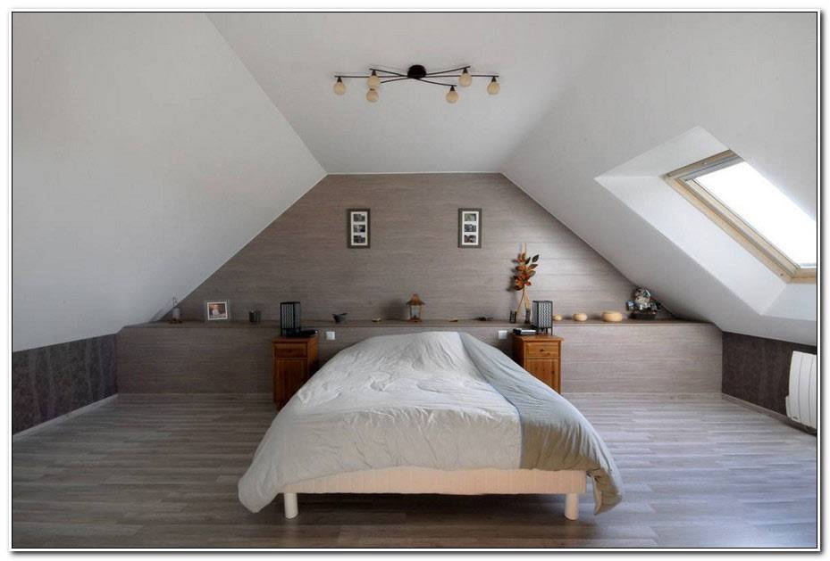 Chambre Avec Plafond En Pente