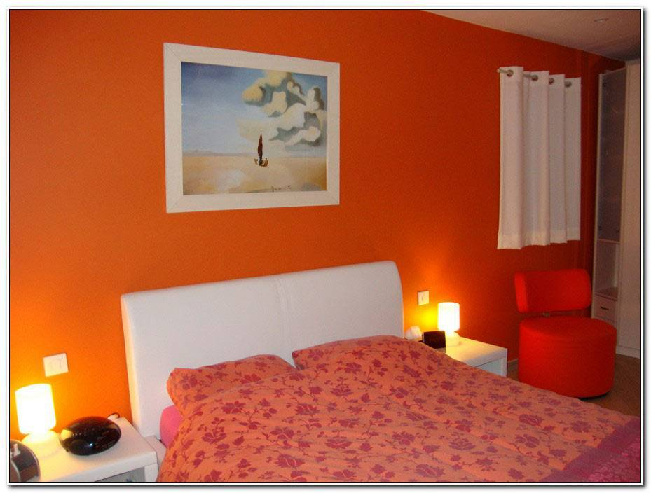 Chambre Orange Et Blanc