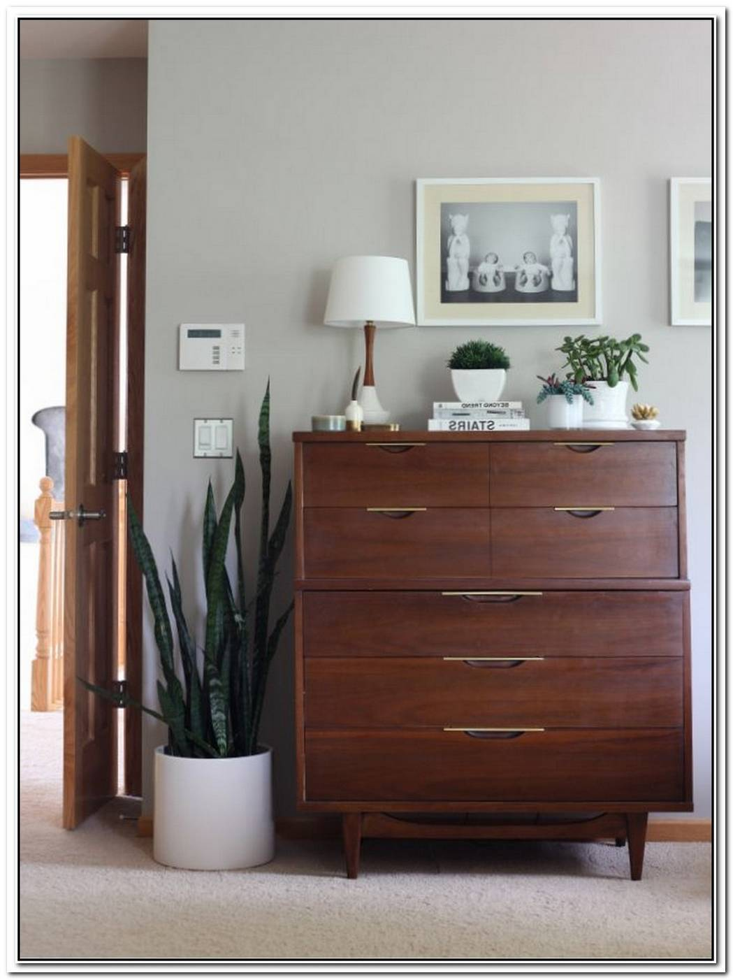 Check Out These Uber Cool Ways To Style Your Vintage Dresser
