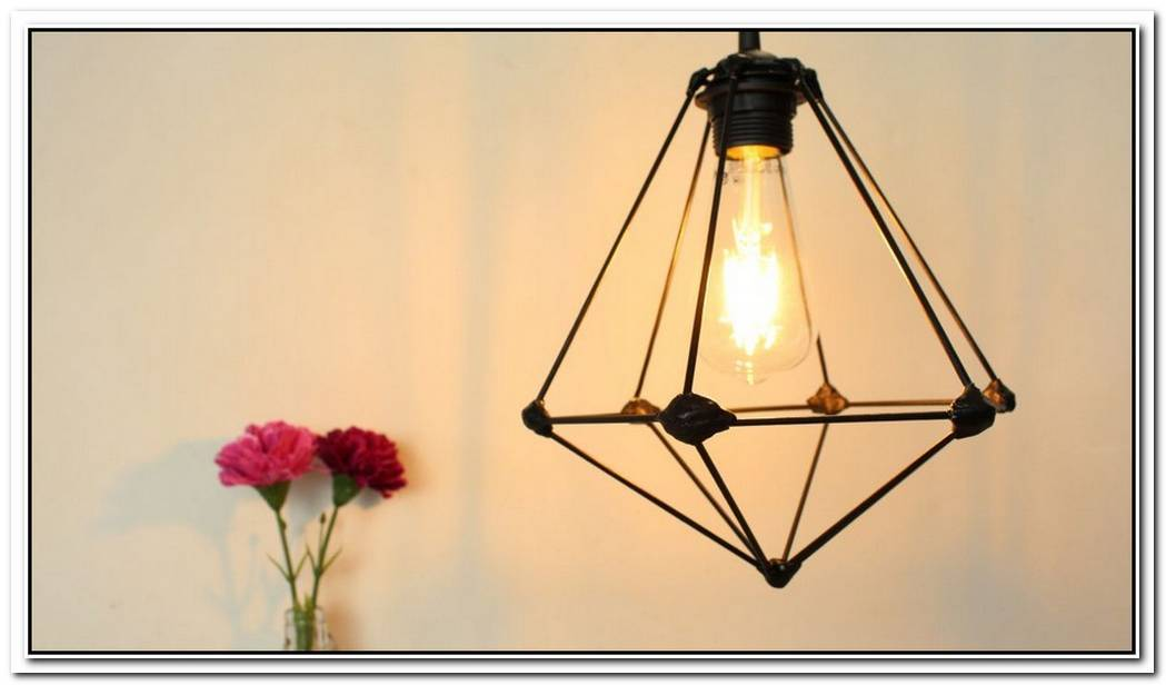 Chic Pendant Lamp From Wooden Sticks
