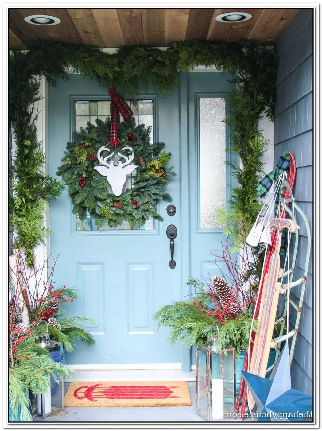 Christmas Door Decor Ideas With Cheerful And Cozy Vibes