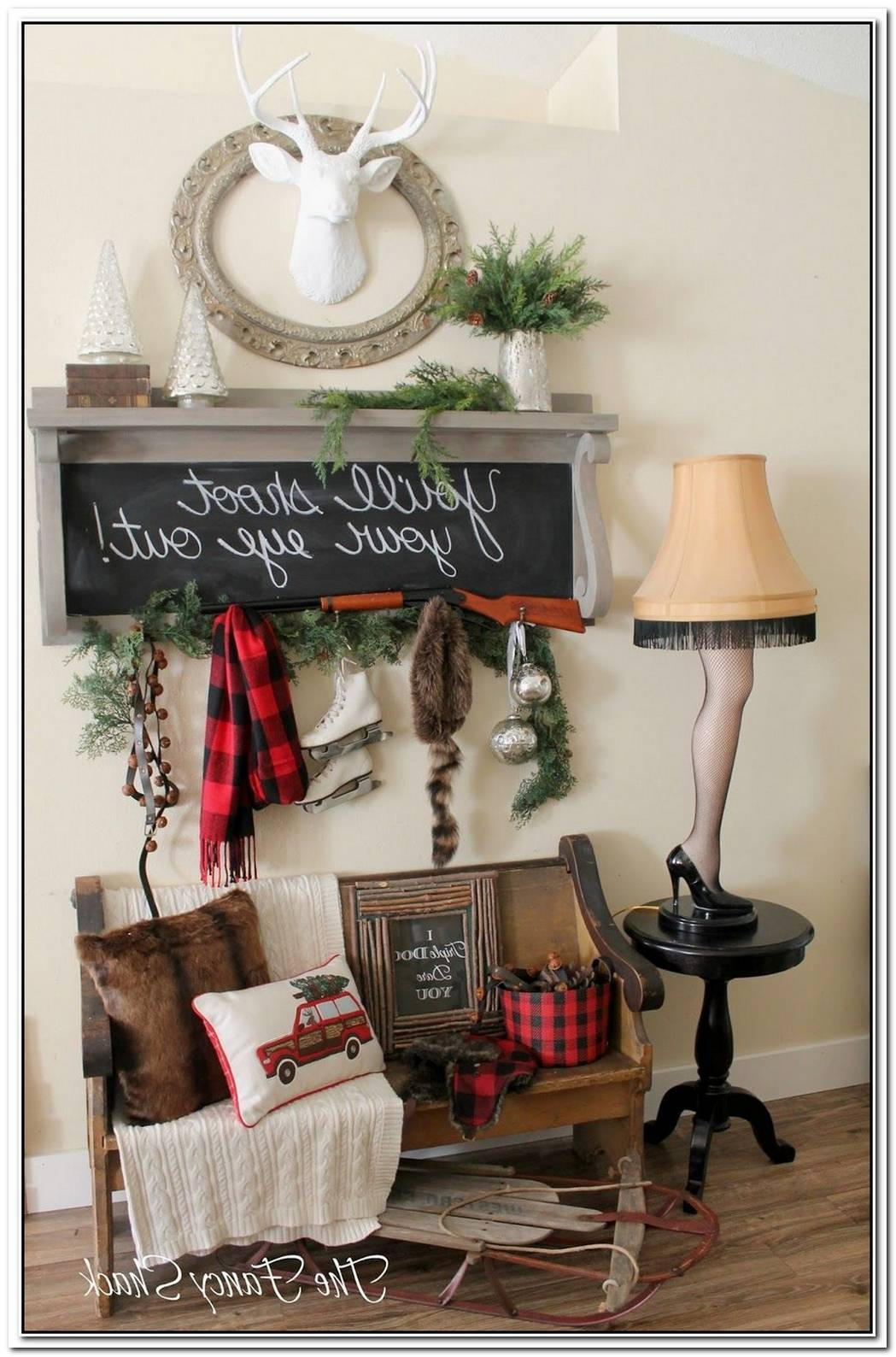 Christmas Wall Decor Ideas That Anyone Can Pull Off
