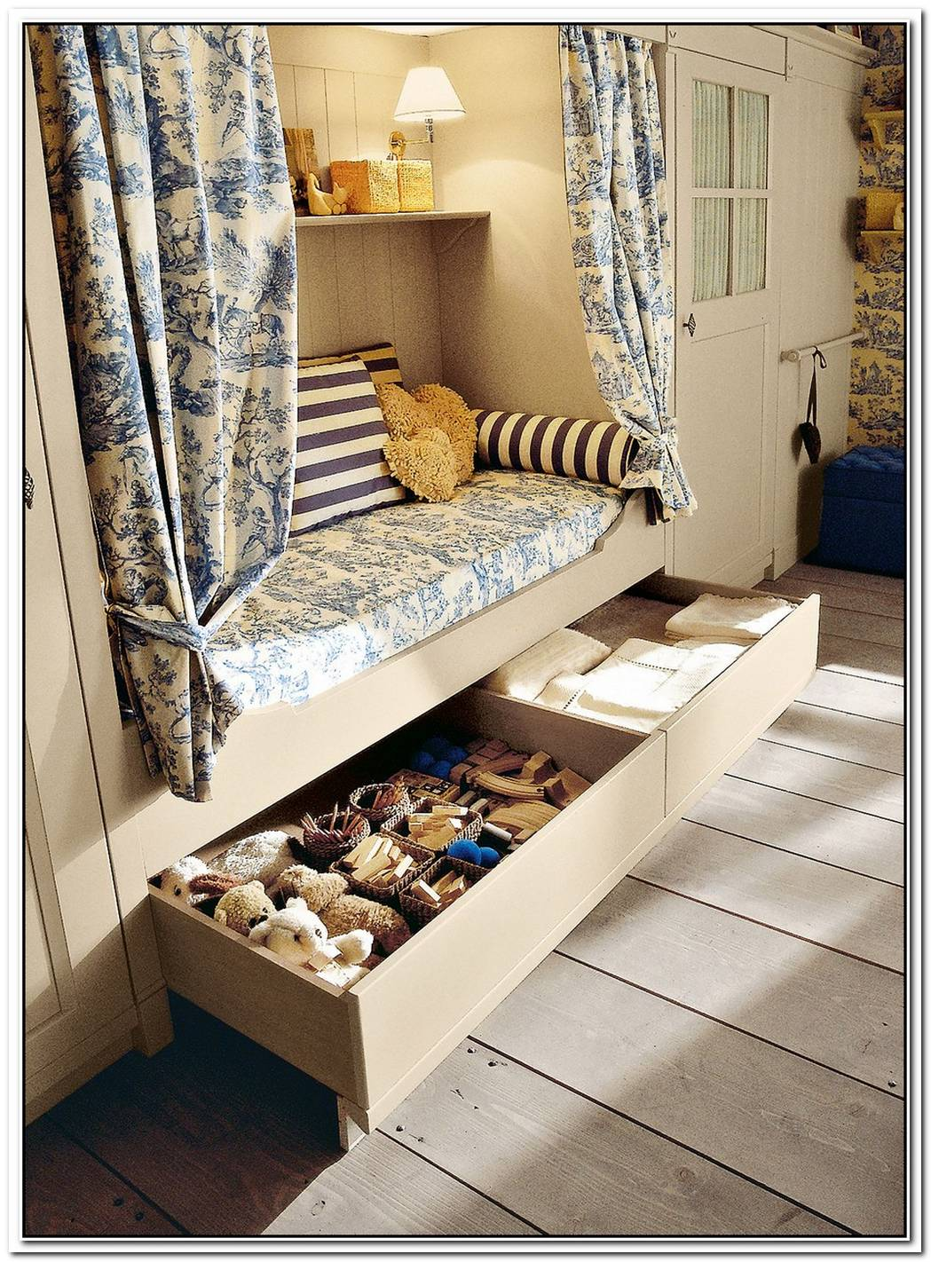 Classic Children Bedroom Design From Minacciolo