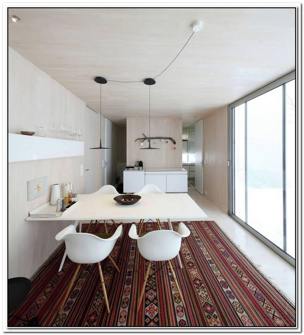 Compact Recreation Home With A Flexible Interior