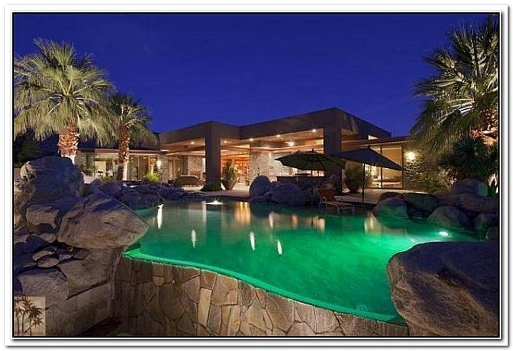 Contemporary Palm Springs Villa Charms With Luxury