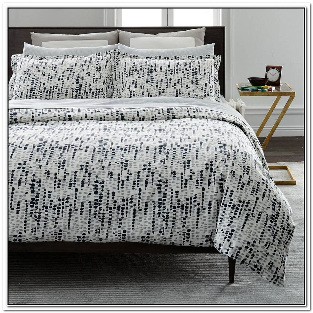 Cozy And Comfortable Bedding From Dwellstudio