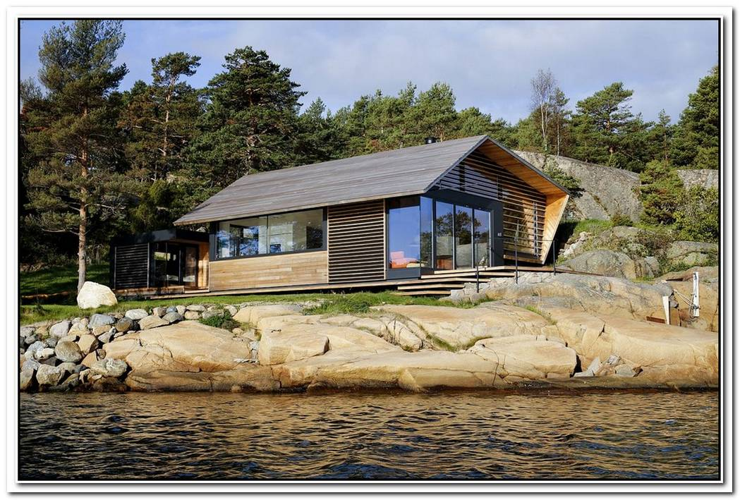 Cozy Wooden House In Norway