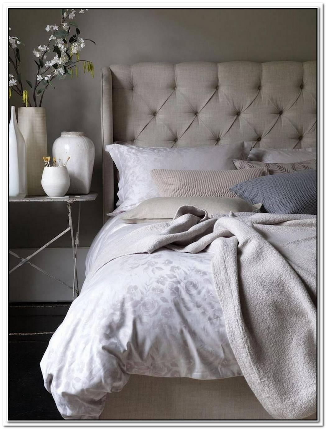 Cream Tufted Linen Larkspur Bed