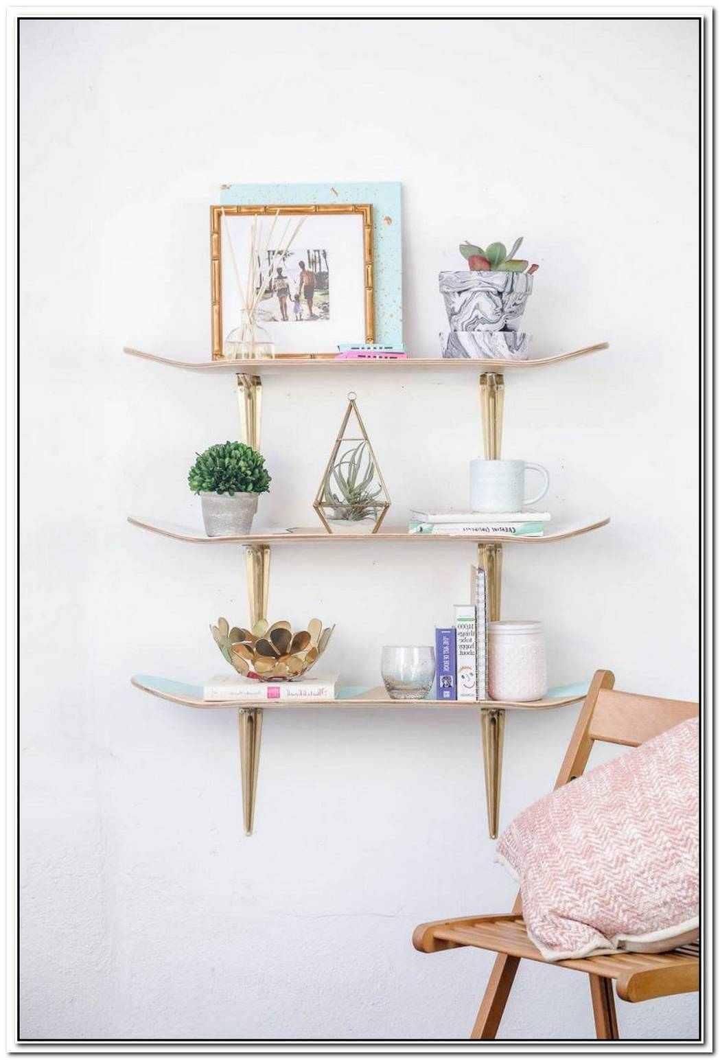 Creative Diy Shelves Made With Upcycled Skateboards