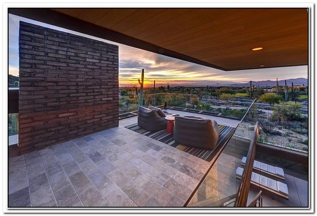 Damon ResidenceBeating The Desert Heat With Adobe Walls And Sleek Overhangs